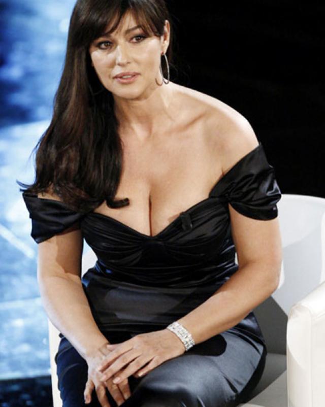 Горячие фотографии знаменитой латинской женщины