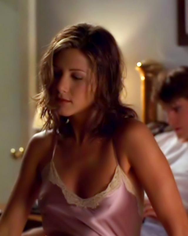Французская знаменитость Jennifer Aniston и ее белье