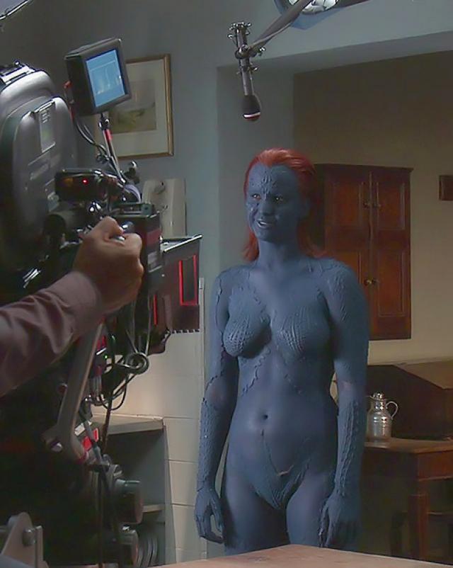 Jennifer Lawrence в образе сексуальной супер героини