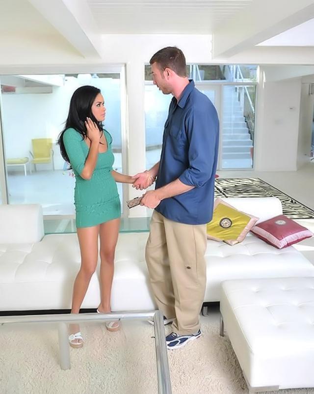 Агент по недвижимости оттрахал красотку на высоких каблуках