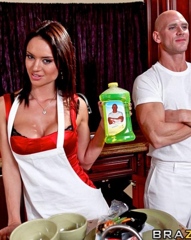Парень отодрал женщину с элементами жесткости на кухне