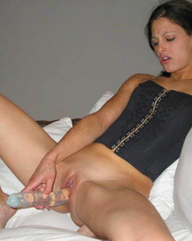 Девушки занимаются анальным сексом от первого лица на частных фото