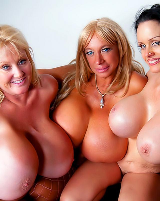 Три мамочки с большими буферами трахались с молодым
