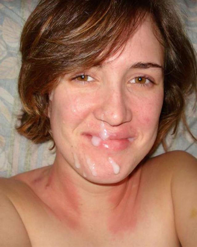 Множество домашних выстрелов спермы с молодыми девушками