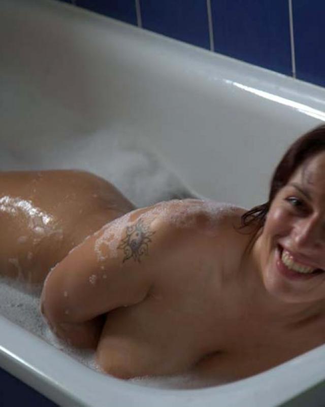 Навязчивый бойфренд сделал любительские фото своей грудастой телки