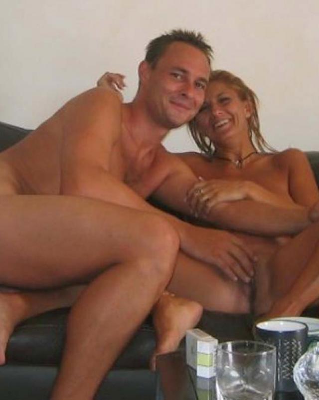 Женушка-любительница сосет член и дает в попу мужу