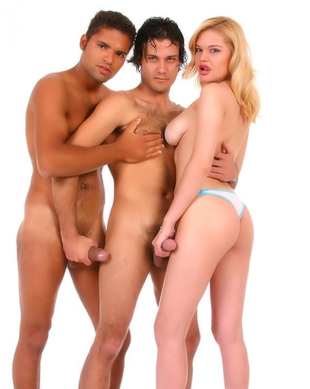 Латинские бисексуалы устроили групповушку