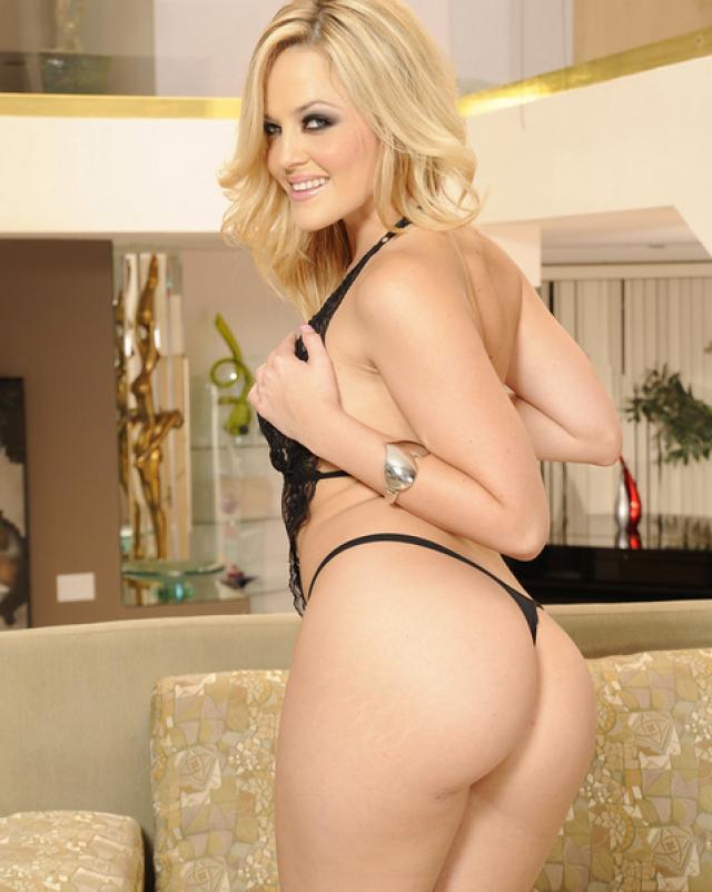 Порно очень возбужденной блондинки